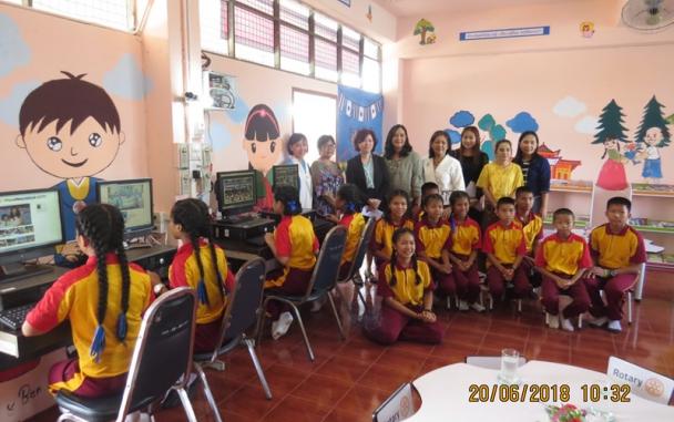 บีโอไอเชียงใหม่ มอบครุภัณฑ์คอมพิวเตอร์ให้กับโรงเรียนบ้านหนองหาร (ทิพวันอุทิศ) อำเภอสันทราย จังหวัดเชียงใหม่